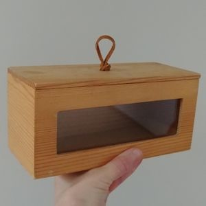 4/$15 - wood box with clear window